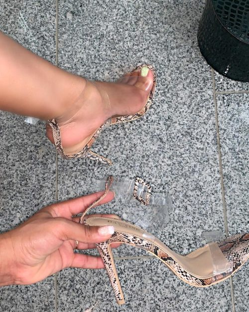 Snake print in action Nude