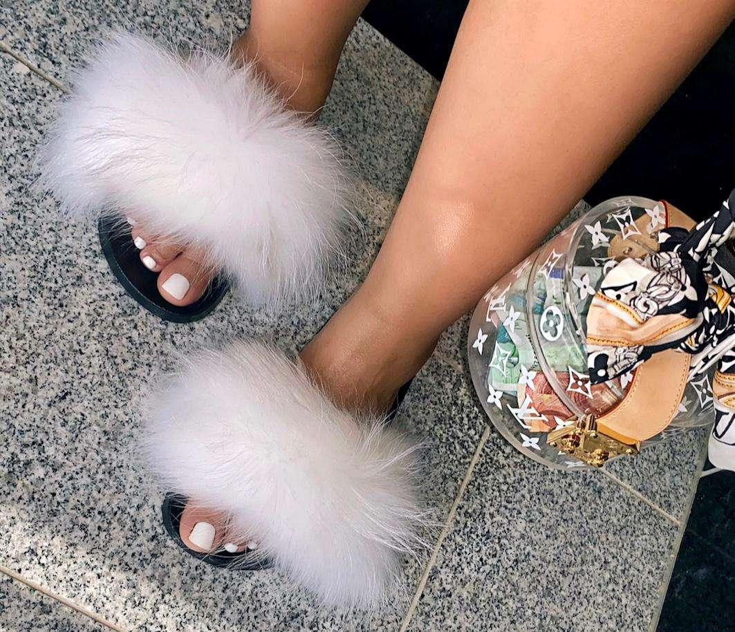 Fluffy slipper white